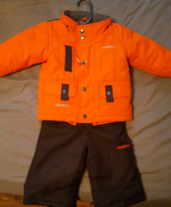 Baby size 12 months . Osh Kosh  2 pc. Snowsuit,barely used! *