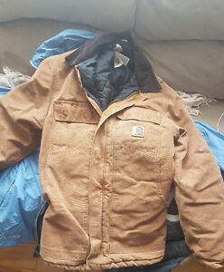 Small carhartt jacket barely worn