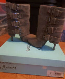 Marciano by Guess Boots Grey Leather Suede Strap Booties as 5.5