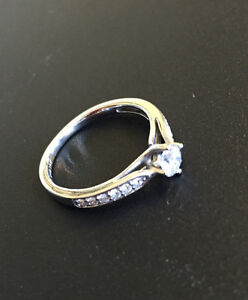 Beautiful Engagement Ring Cambridge Kitchener Area image 2