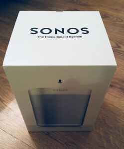 white Sonos Play 1 like new (with box)