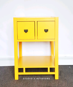 Side table / Night table
