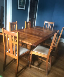 Beautiful Antique Arts & Crafts/Dining Set 6 Chairs