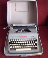 Antique Typewriter Dactylo with Case and Ribbon - ROYAL -