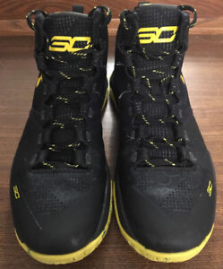 Basketball Shoes: Steph Curry Under Armour 10/10 Condition