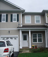 Three Bedroom Town House West Ridge near Lakehead for Students