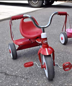 Radio Flyer Tricycle in Grt Condition with Musical Scooter FREE