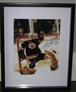 Signed Cheevers or Shutt 8x10