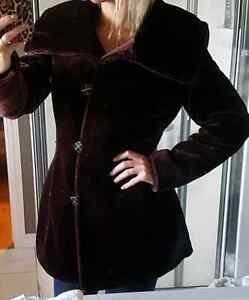 Faux fur plum burgundy winter coat. New condition small medium Belleville Belleville Area image 1