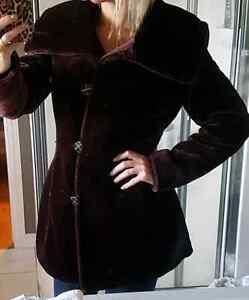 Faux fur plum burgundy winter coat. New condition small medium