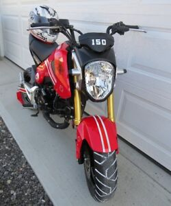 willing to PRICE MATCH ........ a mere 291kms ....... Honda GROM