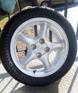 4 x MAGS 15'' et pneus d'été 195/50/R15