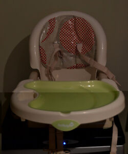 buy or sell feeding high chairs in ottawa baby items kijiji classifieds. Black Bedroom Furniture Sets. Home Design Ideas