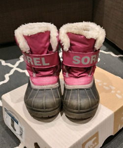 Toddler Sorel boots size 8