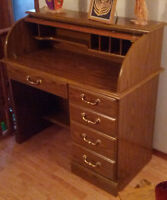 SCROLL-TOP DESK IN MINT CONDITION
