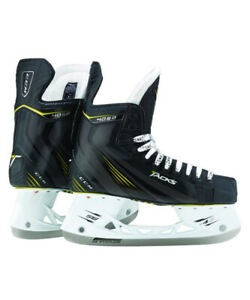 CCM 4052 SKATES SIZE 5.5  Used  Good Condition