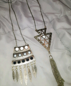 Beautiful necklaces.. good prices