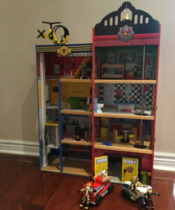 Kidcraft Police Station/Fire Station Playhouse