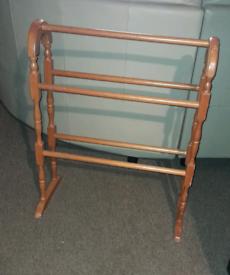 Vintage Style Pine Towel Rail