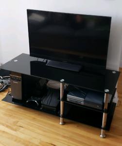 Meuble TV en verre - TV stand, Black Glass,  Chrome legs.