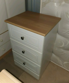 Drawers, cabinets and wardrobe