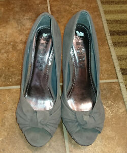 Story - Gray - High heel - Size 7.5 - New