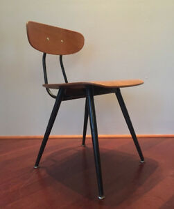 MID CENTURY MODERN PLYWOOD AND METAL INDUSTRIAL DESK SIDE CHAIR