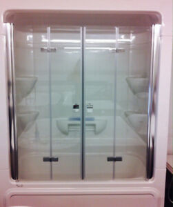 Tempered Glass Bi Fold Tub/Shower Doors