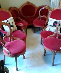 7 piece velvet Victorian Settee Set.....Excellent condition Peterborough Peterborough Area image 1