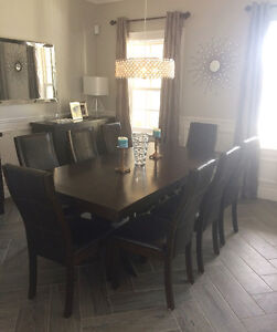 EIGHT dining room chairs!