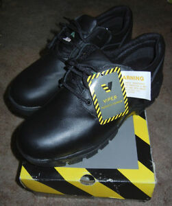 BRAND NEW SIZE 13 STEEL TOE SAFETY SHOES
