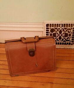 MCM Don Draper Mad Men Stabilized Brief Case, Patent 1949