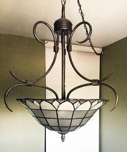 LAMPE SUSPENDUE - Pas besoin d'électricité au plafond