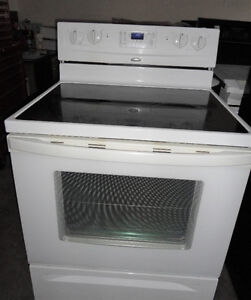 Whirlpool Glass Stove in Good Condition