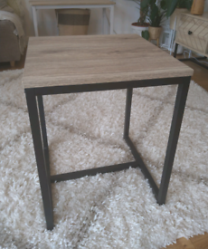 Brown Industrial Wood Metal Coffee Side End Table Nice Condition! E2