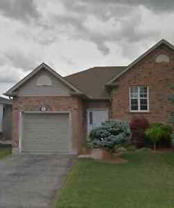 House for sale in St Thomas London Ontario image 1