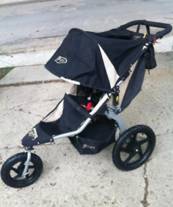 BOB STROLLER WITH INFANT SEAT ADAPTER AND SNACK TRAY