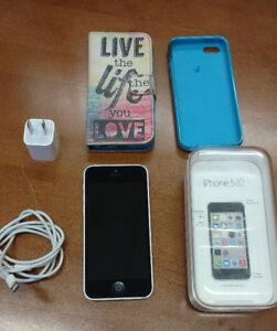 iPhone 5C - Blanc Excellent - avec la boite