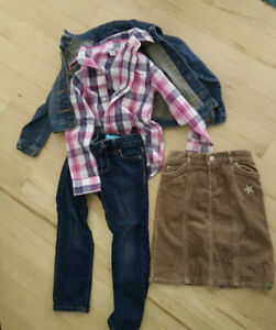 Girl clothing outfit, size 5 and size 6, $ 8 per picture