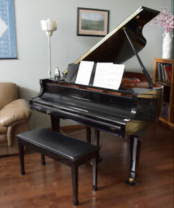 Grand piano for sale (Yamaha)