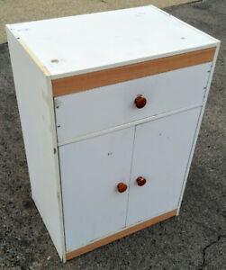 Kitchen cabinet / microwave stand