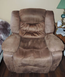 Nice Electric microfibre recliners in top condition