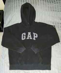 Men's GAP Sweater- Size Medium