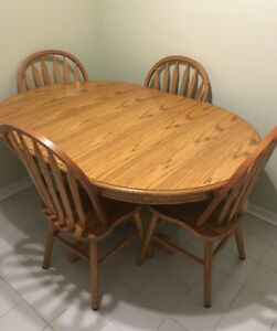 Solid Pedestal Oak Table with Chairs