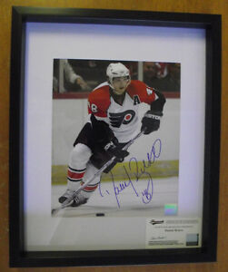 Signed Photo of Daniel Briere w/COA p.w./Flyers