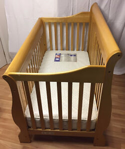 ELLIS Deluxe 4-in-1 Convertible Crib FOR SALE