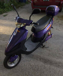 Kaishan Electric Scooter only $875 nearly new only 160KLM