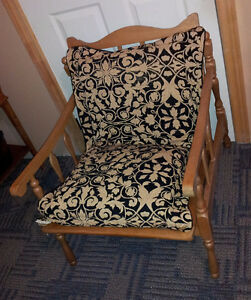 Vintage solid wooden lounge chair with black/gold accent cushion London Ontario image 3