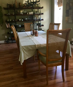 Dining Room table 6 chairs and area rug