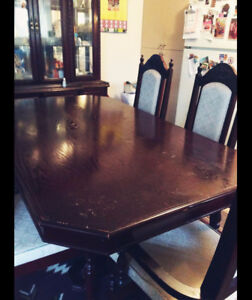 REAL WOOD Dining table w/chairs